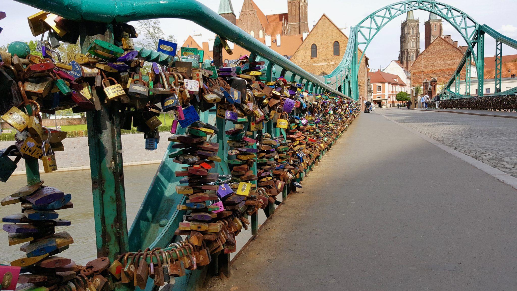 Most Tumski kłódki zakochanych