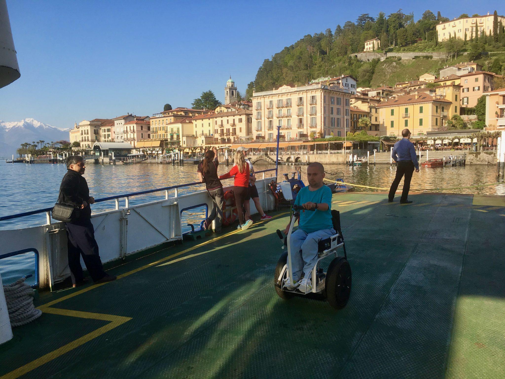 prom jezioro Como