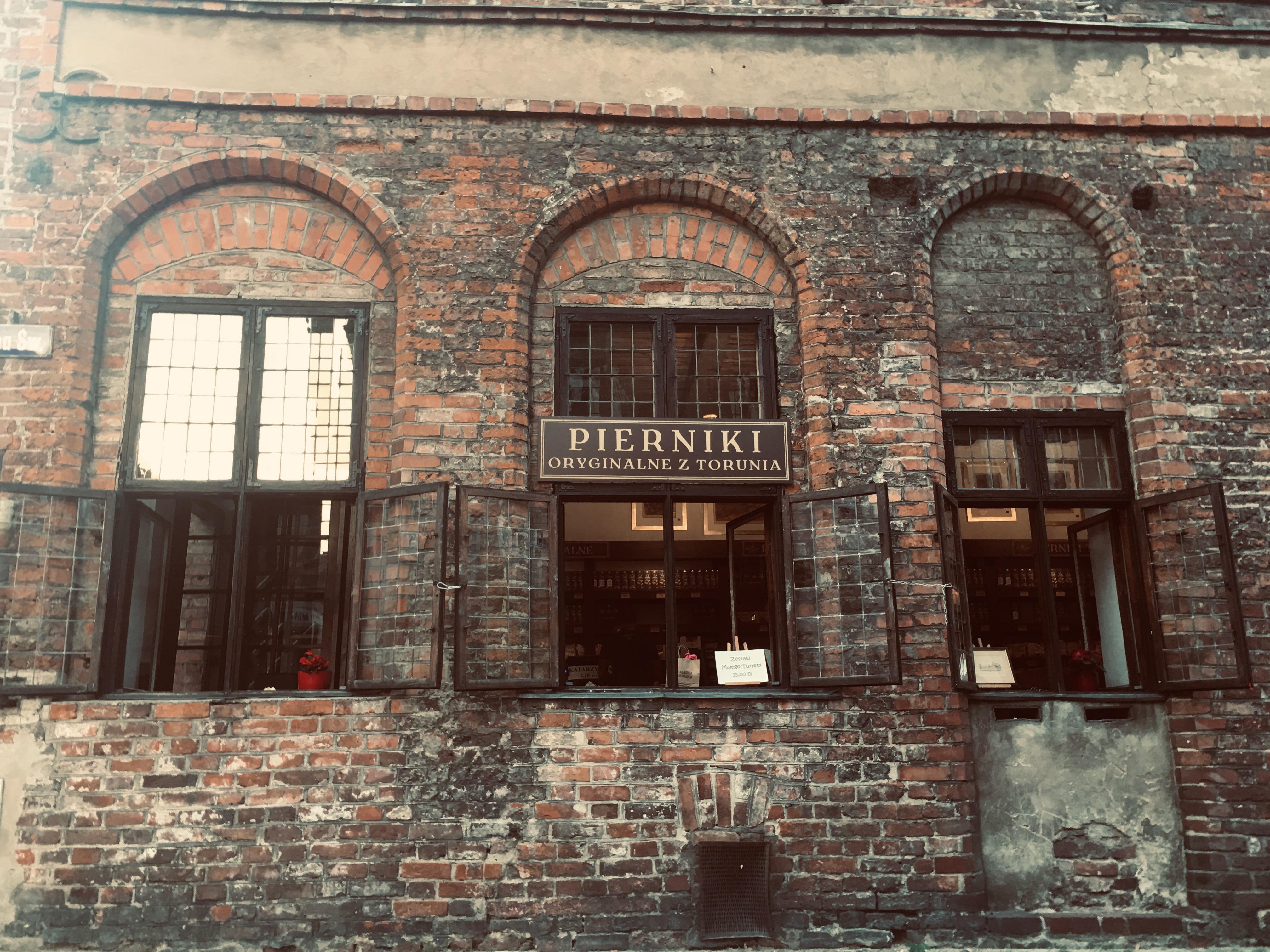 co warto zobaczyć w Toruniu, sklep z piernikami